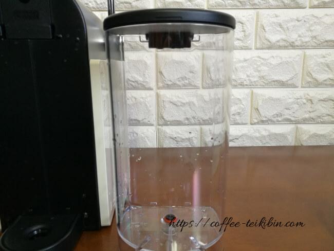 給水タンクの汚れ